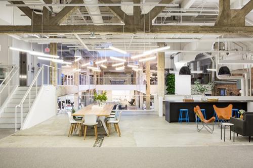 Nội thất văn phòng được thiết kế theo kiểu sáng tạo